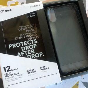 Tech21 EvoCheck Black iPhone XR Case